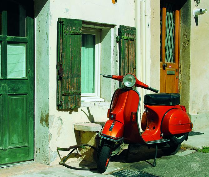 Vespa in Provence